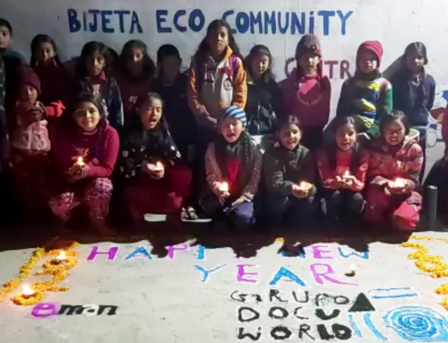 Los niños de Bijeta Eco Community nos felicitan el año desde Kathmandu